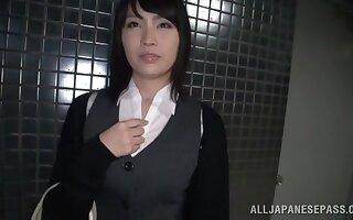 Blindfolded Japanese unladylike Satomi Nomiya gets pleasured in toys