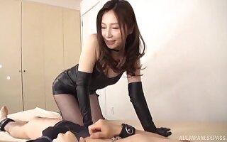 Nasty bonking with provocative model Sasaki Aki apropos leather