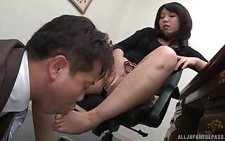 Before a blowjob Nijikawa Sora enjoys a fingering and licking