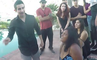 Latina babes takes money to be fucked by a large cock - Tony Martinez