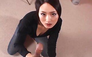Pretty Asian milf Risa Murakami teases and pleases boyfriend in pov video
