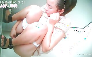 ###ping chinese girl go to public toilet.1