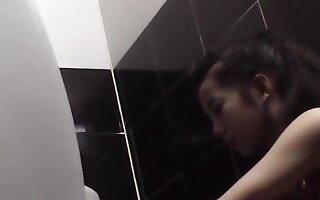 hiddencam toilet Vietnam 6