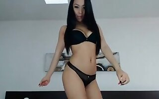 Sexy Hottie Wants To Dance On The Bed For Your Viewing Plea