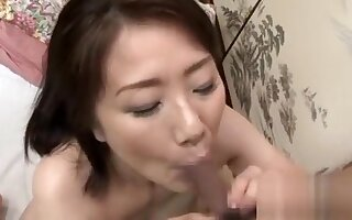 Marvelous older gets on all fours and gets pussy licked